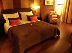 esqueci-me de tirar fotos ao quarto, esta imagem foi retirada do site de reservas do H2hotel