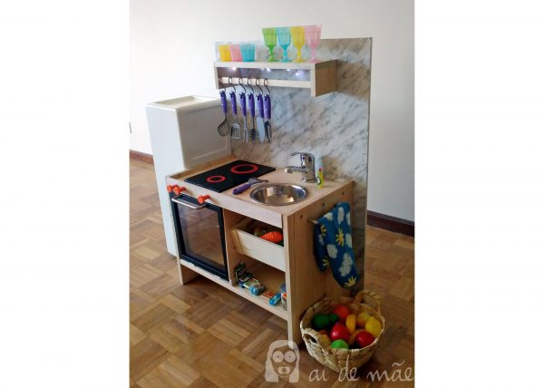 DIY Children's kitchen
