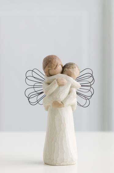 Angel's Embrace, da Willow Tree