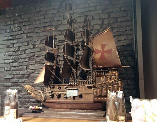 Barco feito em chocolate
